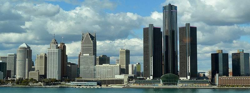 Golf-Detroit-Skyline